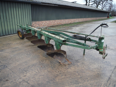John Deere 5 Bottom semi-mounted plow