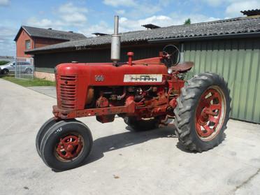 1955 IH Farmall 300 with TA, #22192