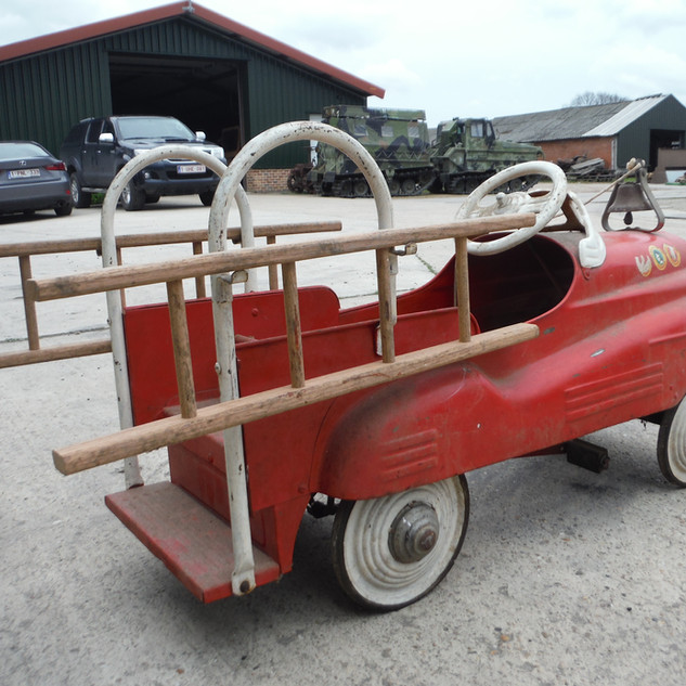 Murray Fire Fighter pedal car