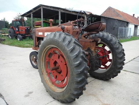 1956 IH 400 Diesel # 39840