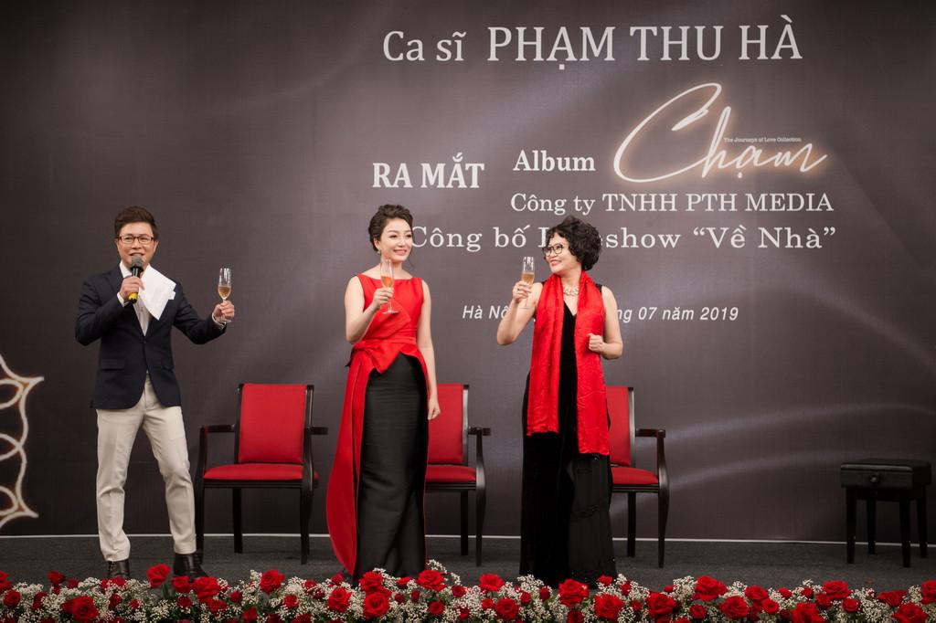 9. Pham Thu Ha va Ba Nguyen Thi Quynh An