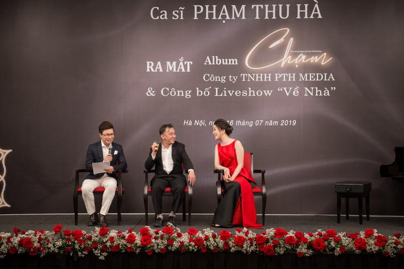 10. Pham Thu Ha va nhac si Nguyen Anh Kh