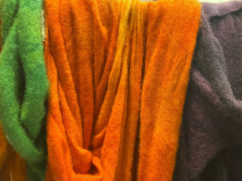 good news (website), bad news (textile industry) and loads of COLOR!