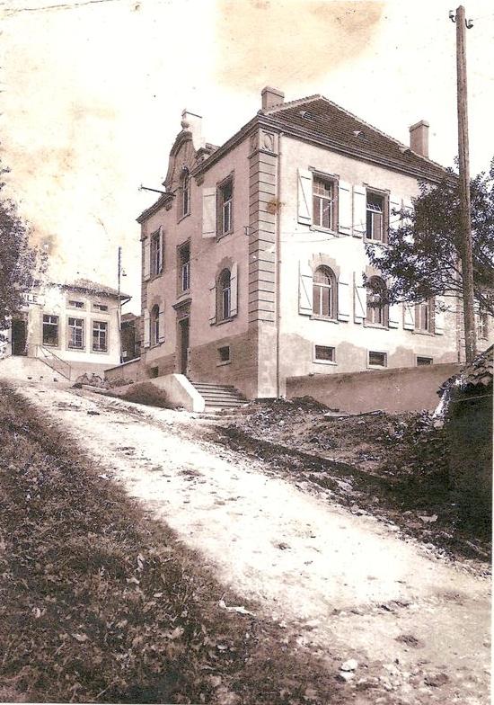 Vers 1940 - Rue de la mairie