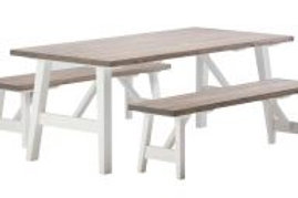 Rustiikki pöytä ja penkit