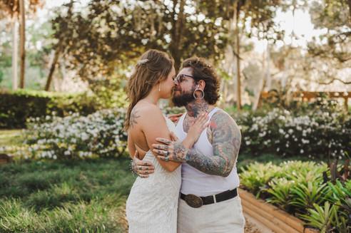 Washington Oaks Wedding Couple