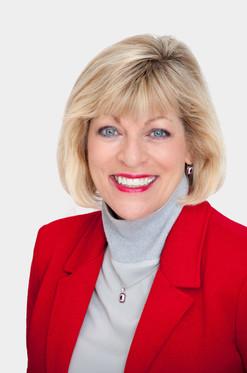 Nancy Lohman Headshot