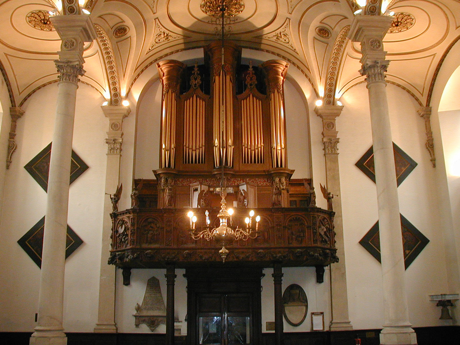 Organ-view from screen looking up (orange)