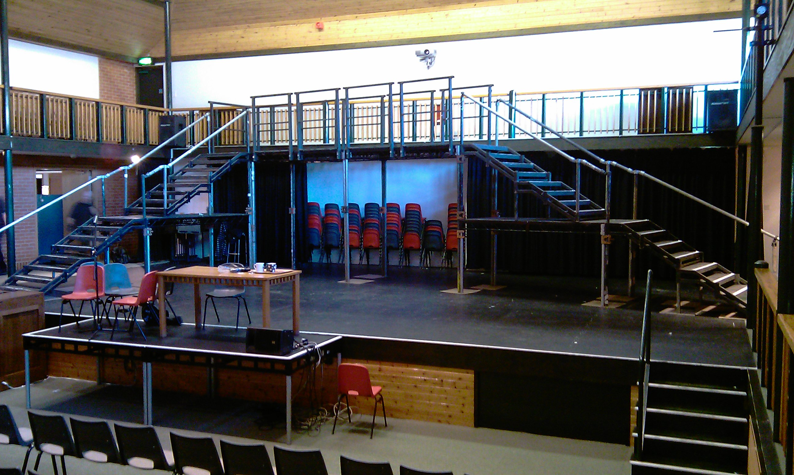 Indoor 2-level stage for theatre