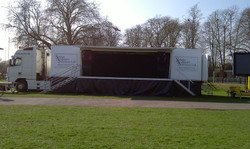 Mobile and versatile trailer stage