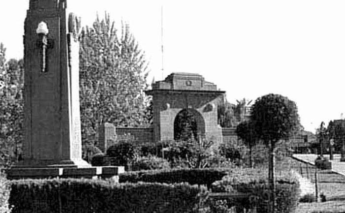 wagga-memorial-arch-gwjpg