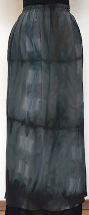 18. Long skirt, size M