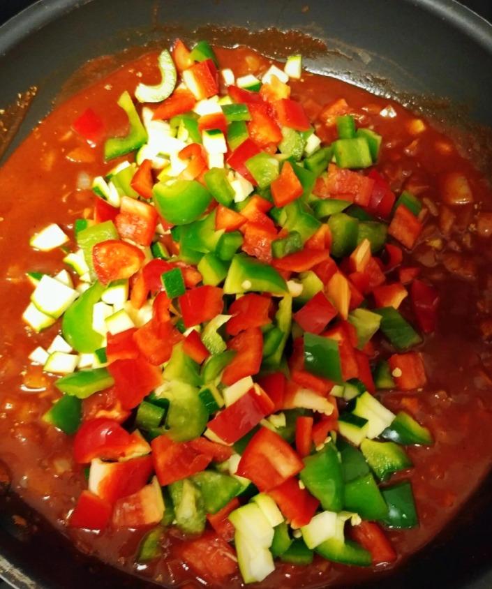 Onions, sauce, and fresh veggies