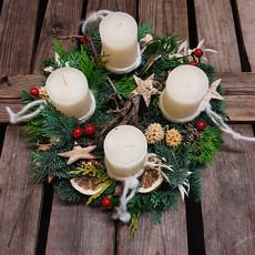 Galerie_Adventkranz_Holzstern-weiße Kerzen.jpg