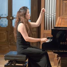 Tianhong Yang | Piano Teaching Artist