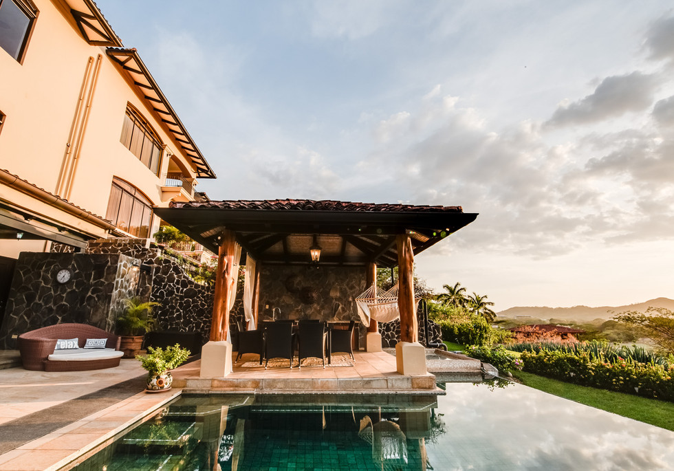 Private Pool - Terrace area