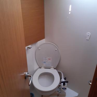 aft toilet.jpg