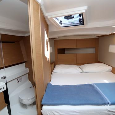 SO410_front cabin.jpg