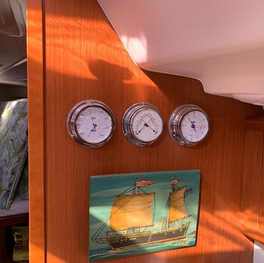 Barometr and clock.jpg