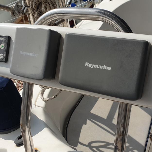 electronics bowthruster.jpg