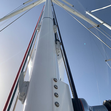mast halyards tensioners.JPEG