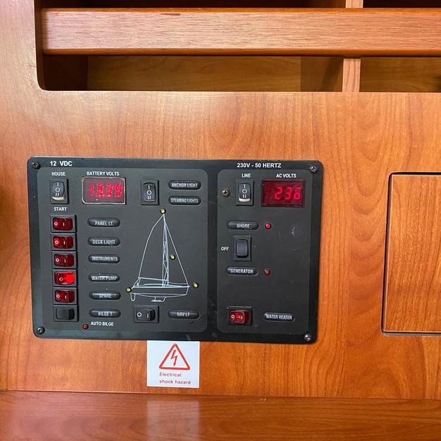 electric table.jpg