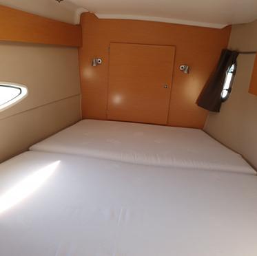 fwd cabin.jpg
