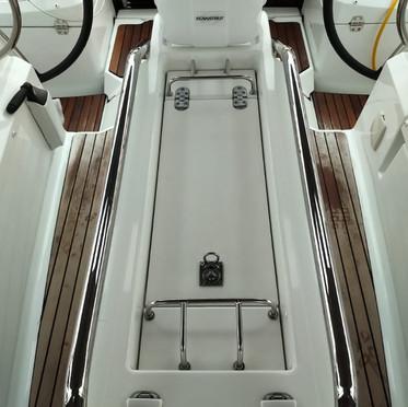 cockpit table with navpod.jpeg