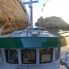 Corinth canal looking to stern.jpg