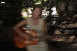 TEss Sings