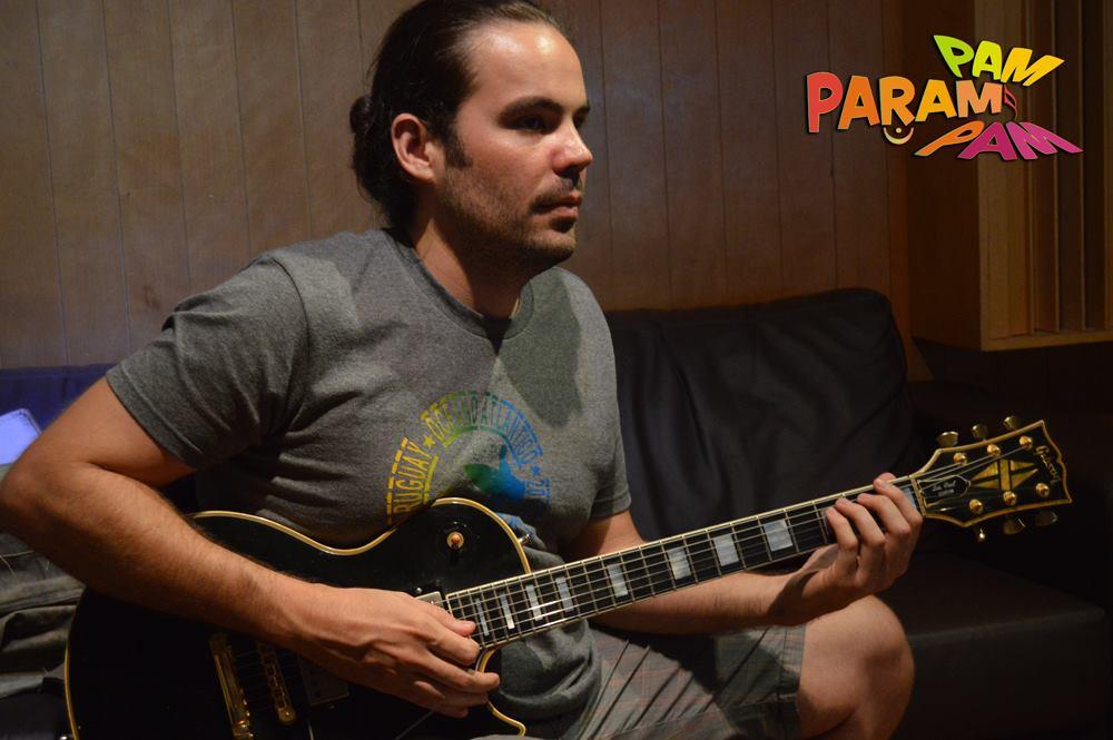 Emanuel Bonfim na guitarra
