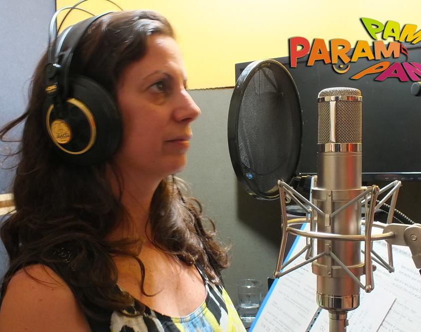 Carol Sette no estúdio