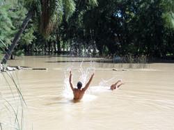 Disfrutando del arroyo