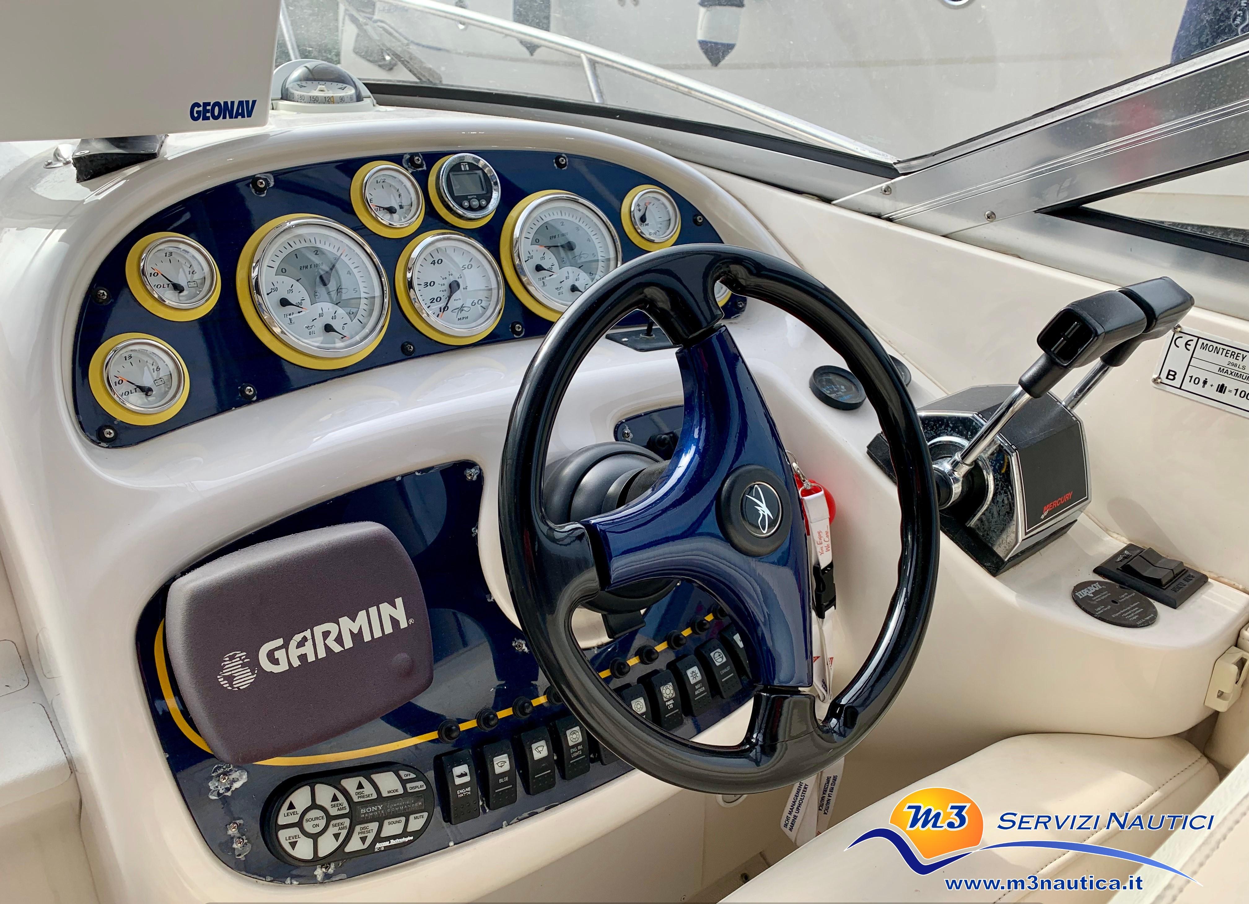 Monterey 298 S Cuddy barca usata img5