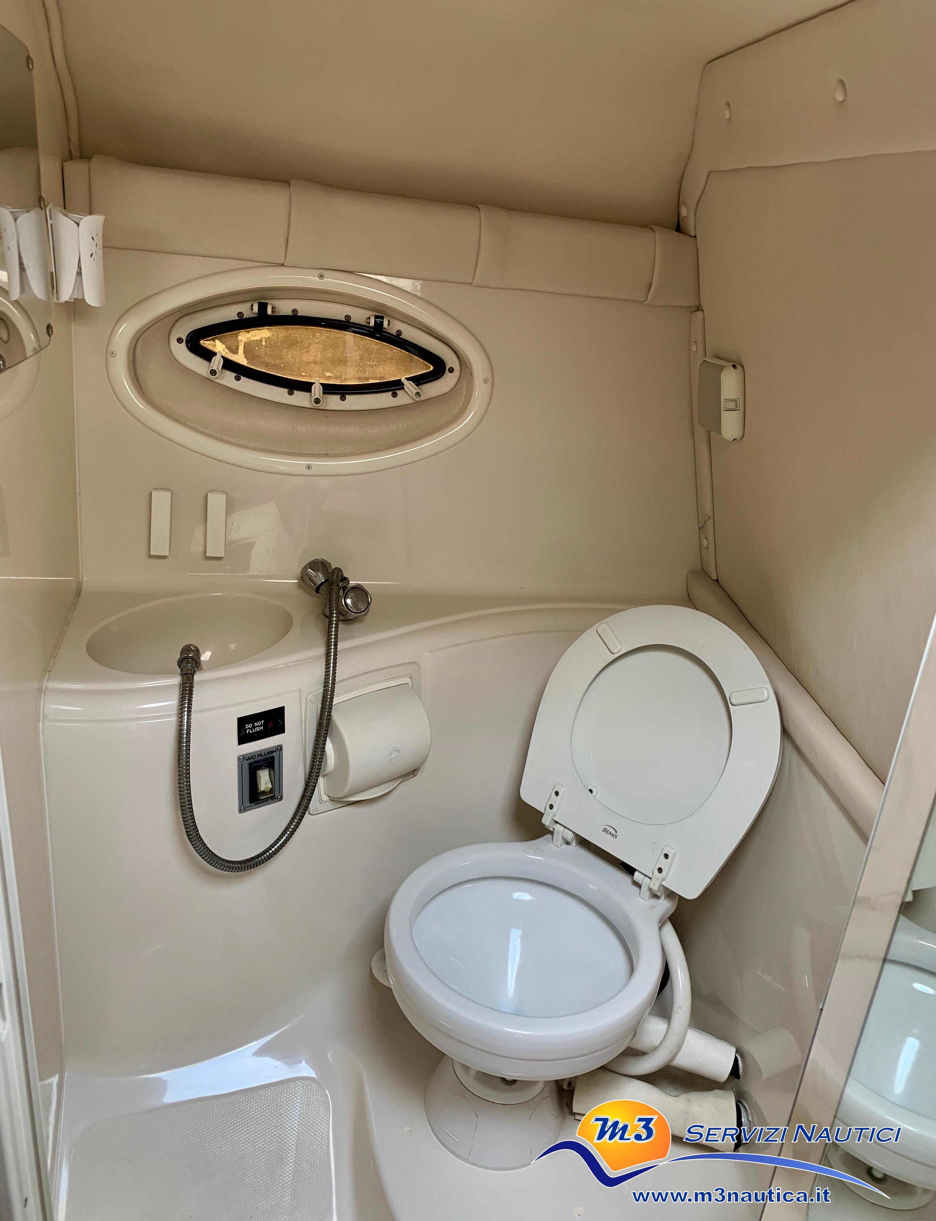 Monterey 298 S Cuddy barca usata img8