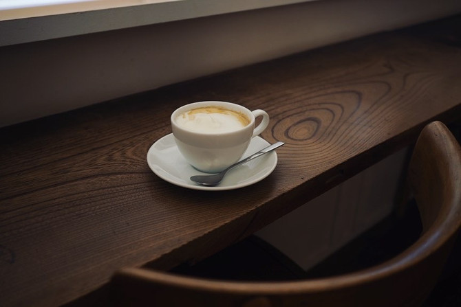 グラスとカフェミスト