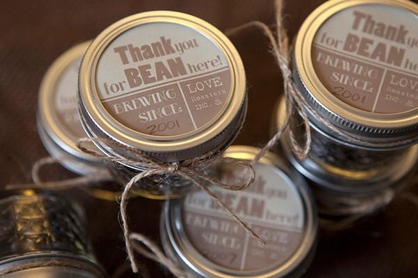 ST_DIY_easy_wedding_favors_coffee__bean_jars_2.jpg