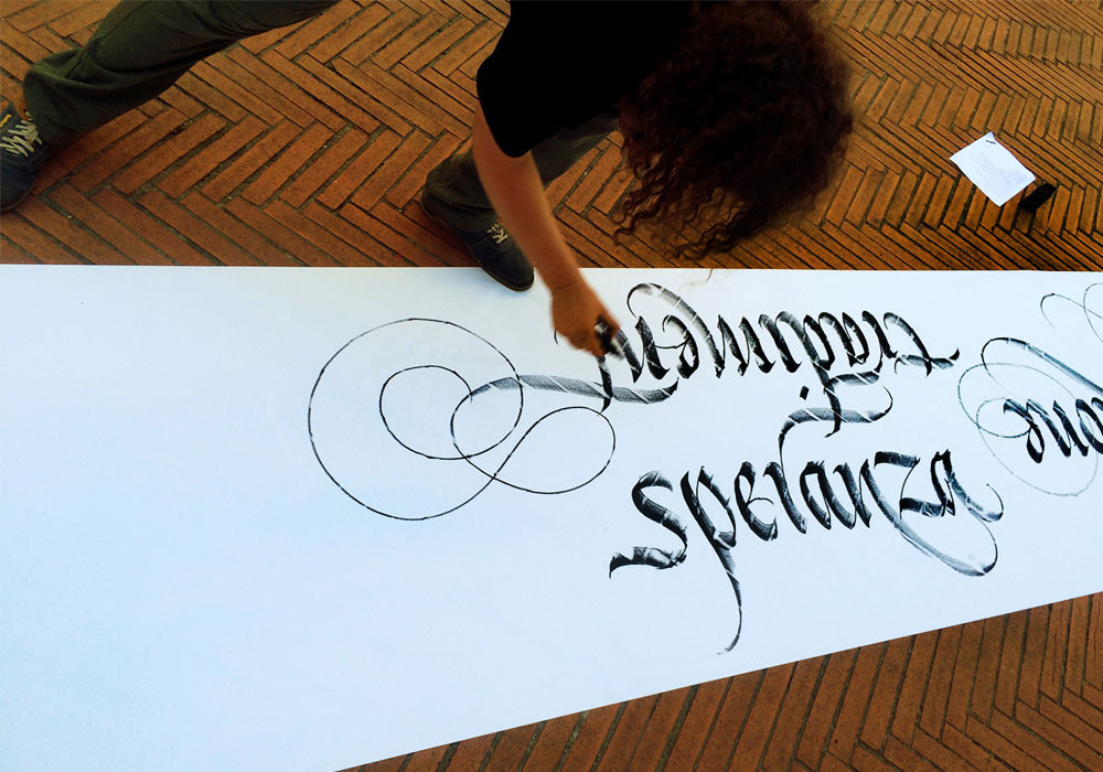 "Calligraphic performance ""Labirinto di Dante"" – Sins vs Virtues (Toscana, Italy)"