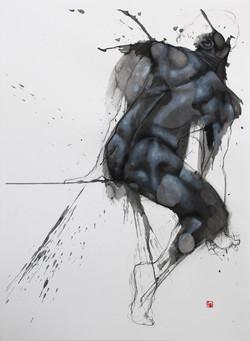 Sculpture sur tache dos homme