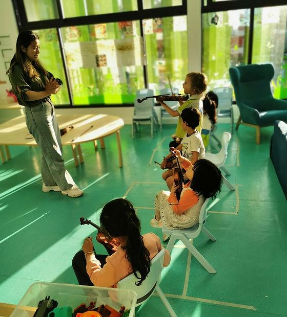 Violin class.jpg
