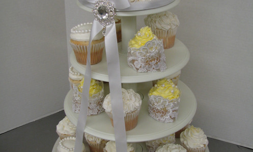 """6"""" ruffle top tier and elegant cupcakes"""