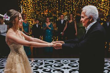 danca com avô.jpg