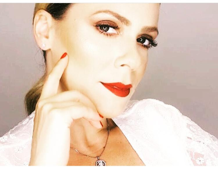 Alessandra Lorena 3.jpeg