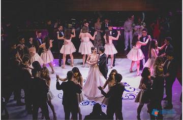 Danca com 15 casais.jpg