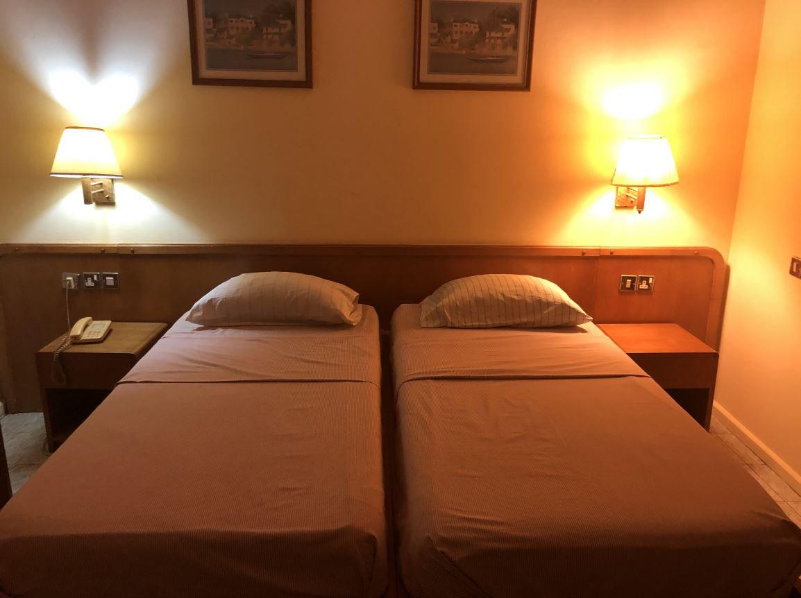 Twin Bed Room - 250 Cedis