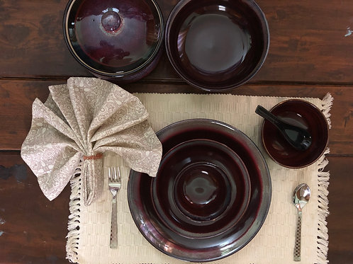 Exclusive Maroon Shaded Dinner Set (7 Piece)