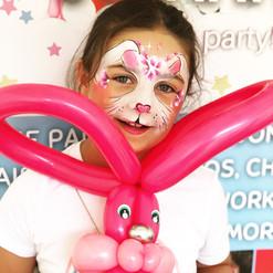 Rabbit balloon twisting