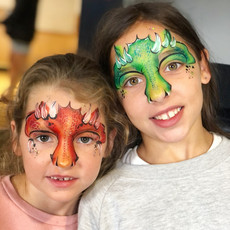 draginface painting sisters