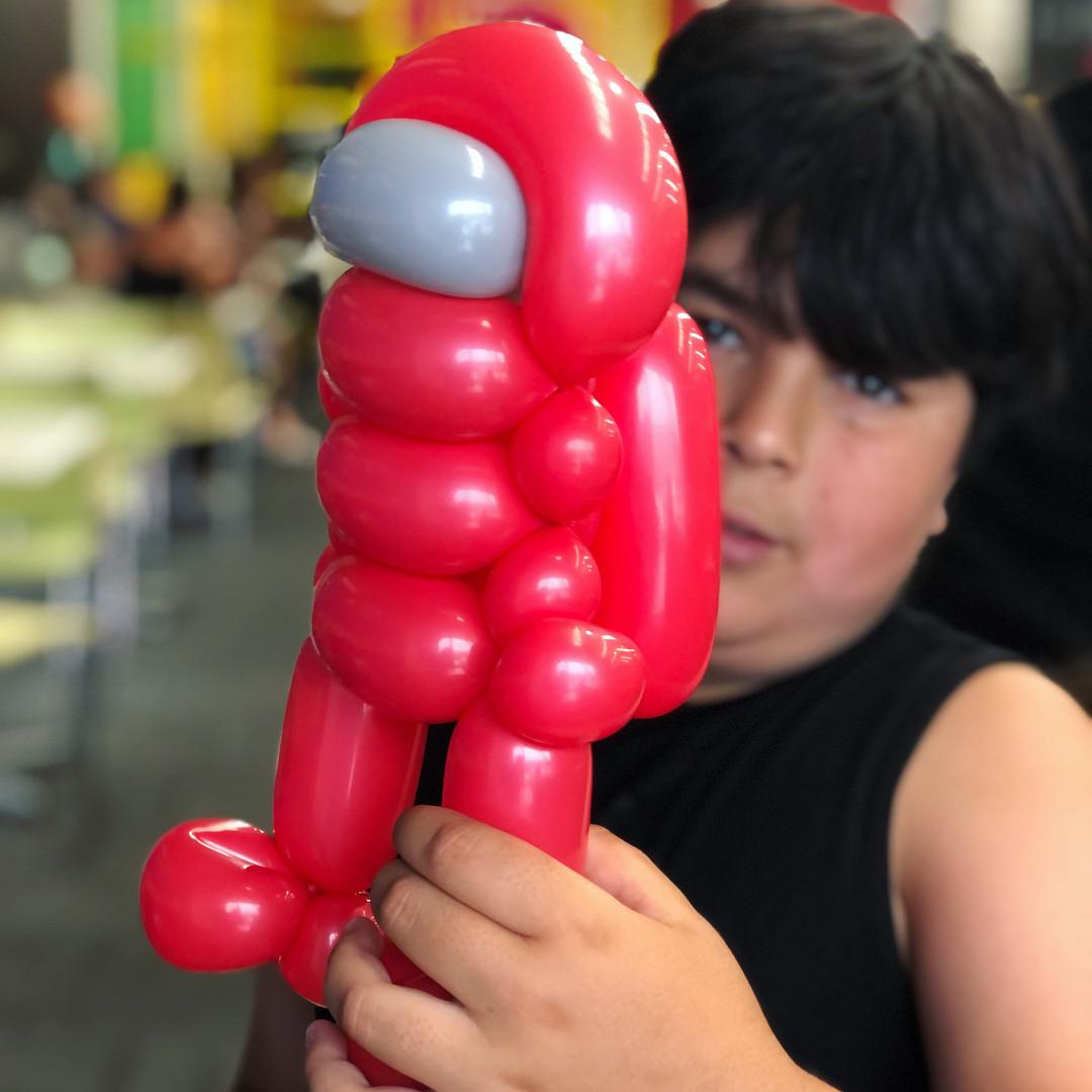 Among us balloon twisting
