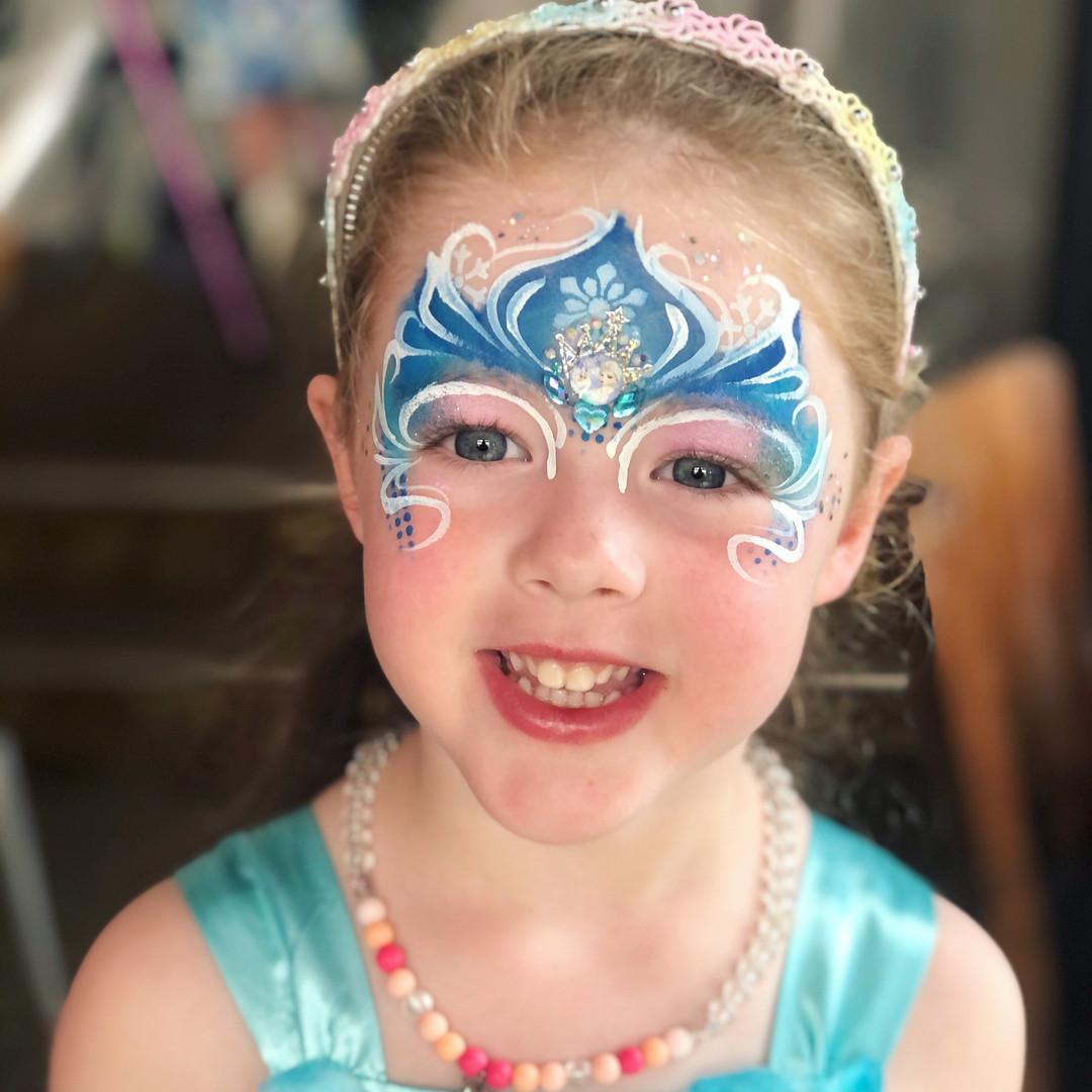 Elsa Frozen princess face paint